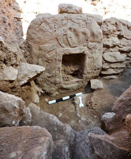 porthole-stone